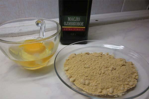 Оливковое масло, яичный желток и горчичный порошок при выпадении волос