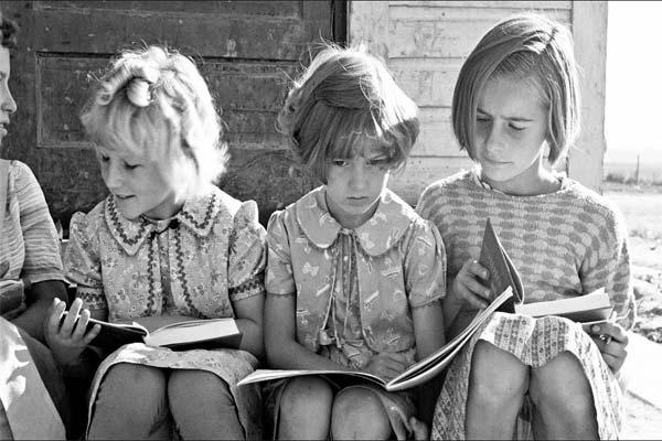 Девочки, старинное фото