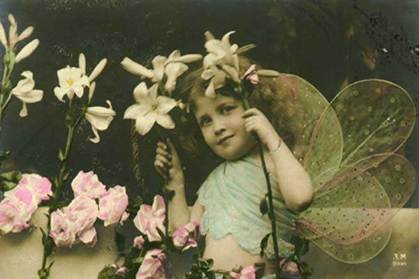 Девочка в костюме эльфа