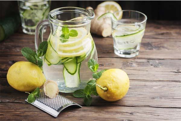 Сок из огурца и лимона