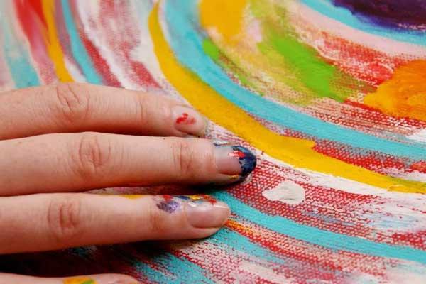 рисунок пальцами и краской