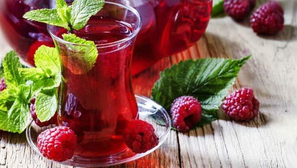 Чай с малиной и мятой
