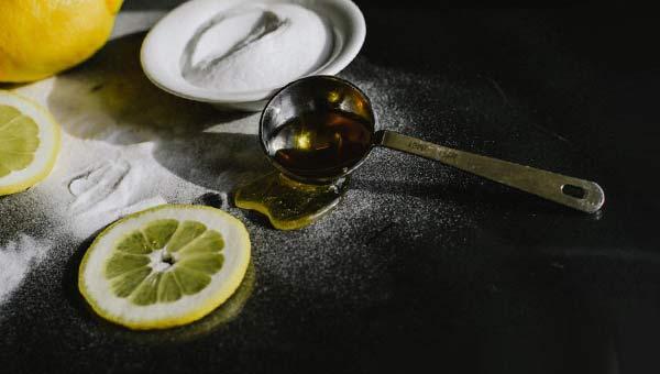 Лимон, сода, масло